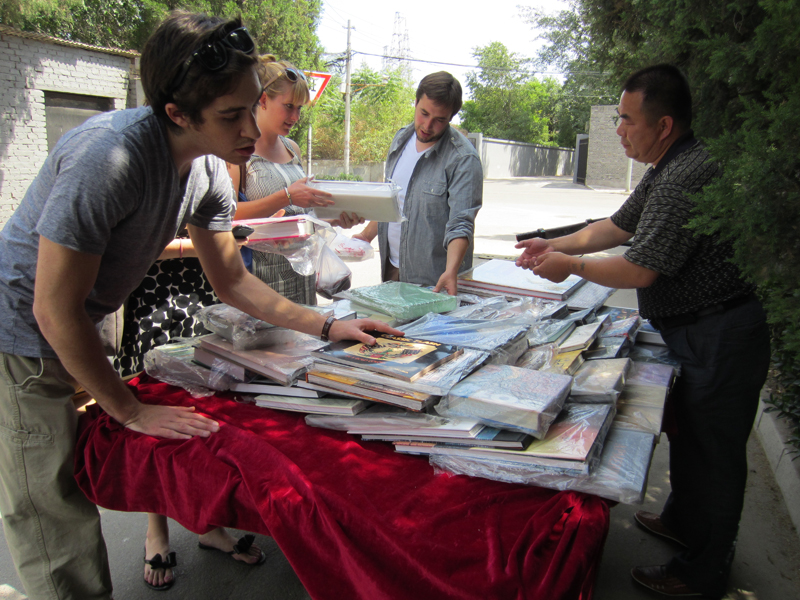 mobile book vendor